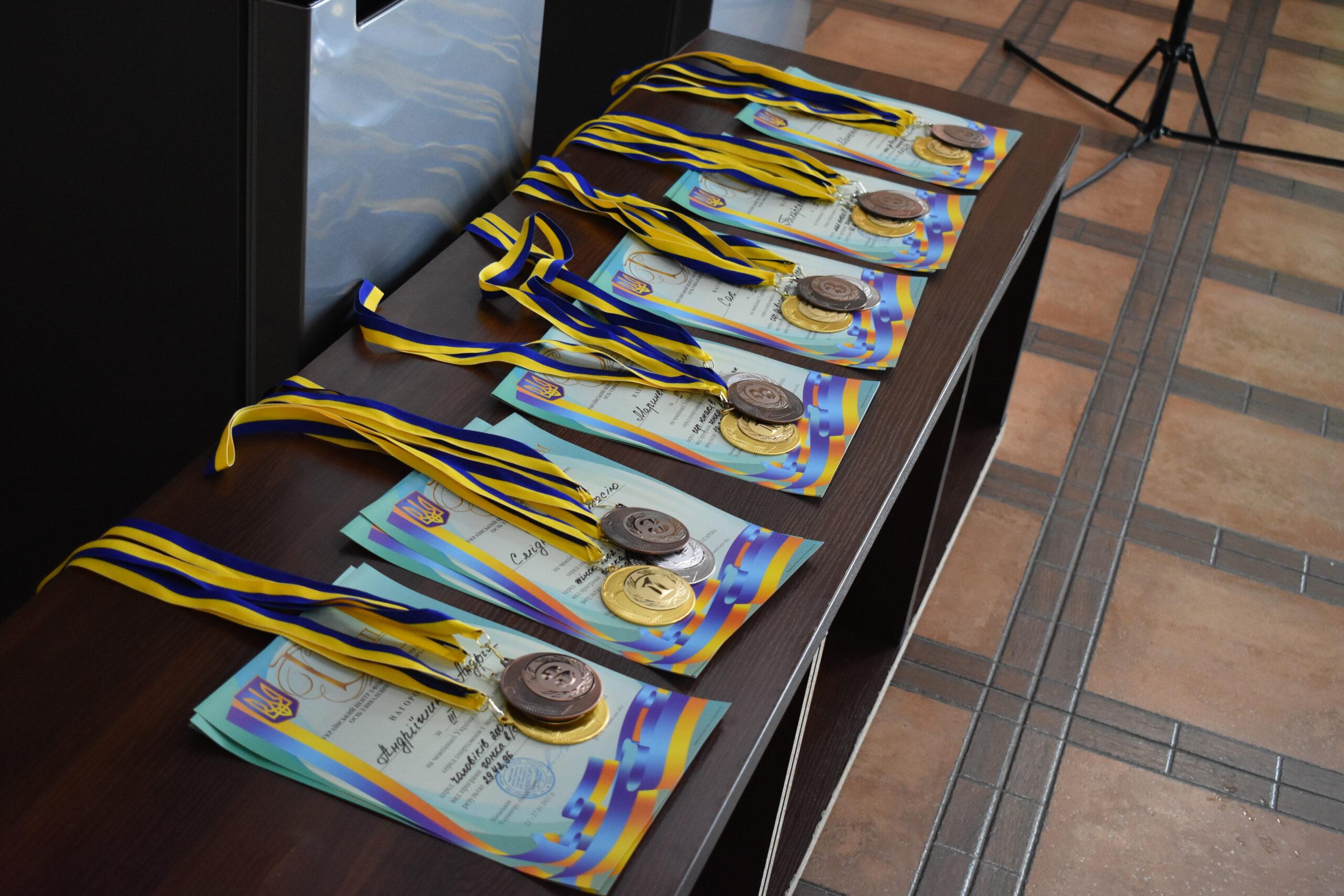 Фотопідбірка чемпіонату України з лижних перегонів серед спортсменів з порушеннями слуху.