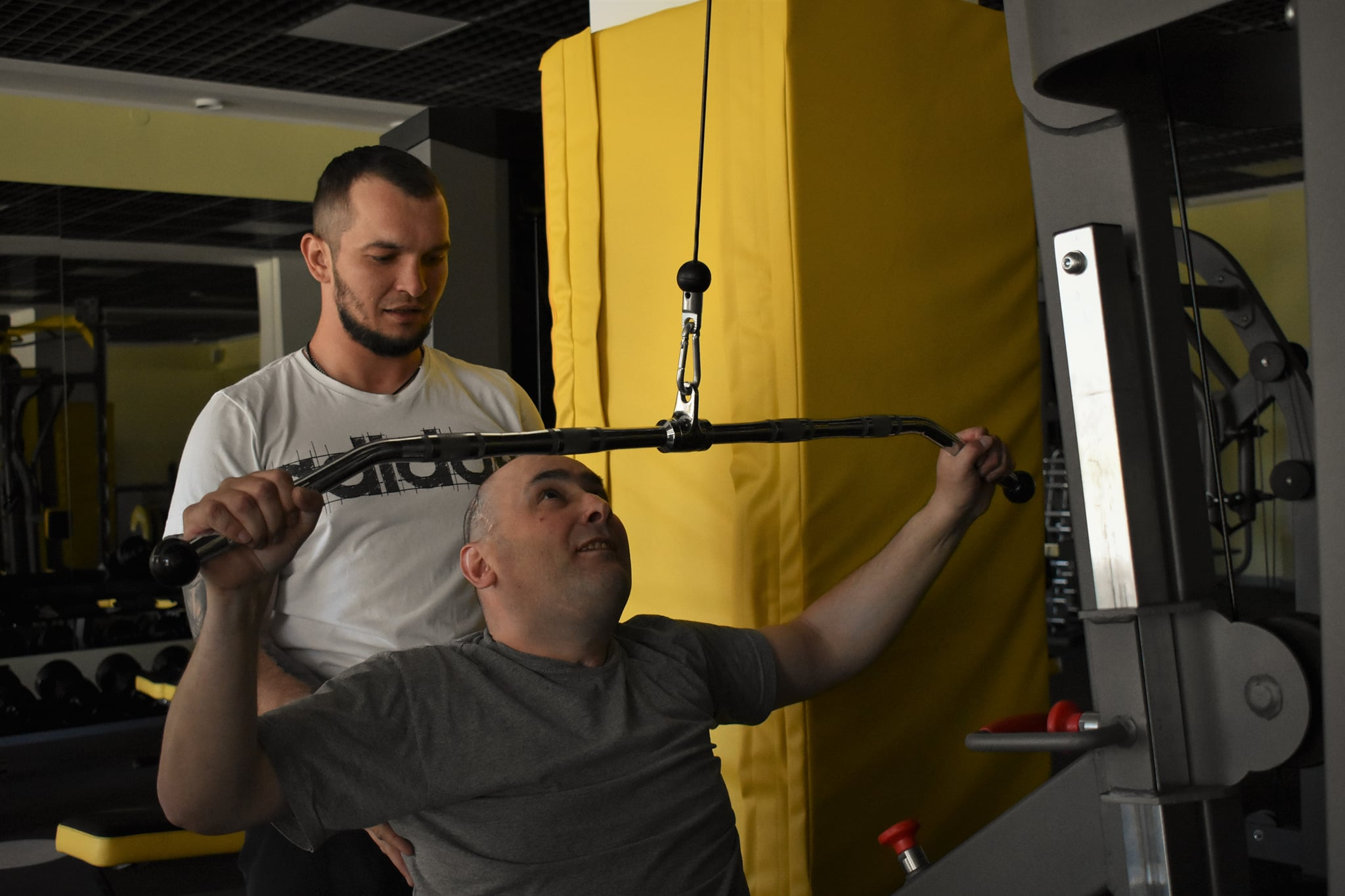 Ось як учасники реабілітаційно – спортивного збору для людей, які отримали черепно – мозкові травми наполегливо тренуються!